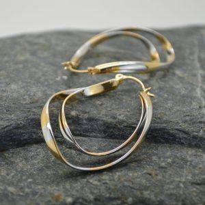 Γυναικεία σκουλαρίκια κυματιστά δίχρωμα από ανοξείδωτο ατσάλι.